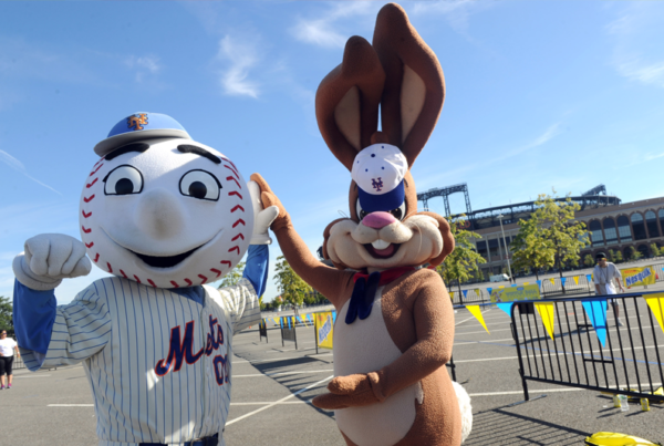 <strong>Nesquik</strong><br/><i> Refuel NYC (Mets)</i>